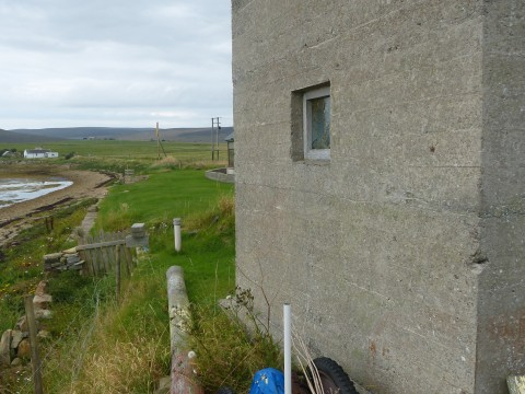 HY76 - Land Telegraphy Hut at North Ness (Exterior)